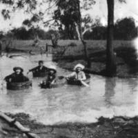 Cross family, Narran River, 1920s.