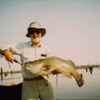 Jim Hanley pictured with a 21 pound Murray Cod, Mulwala (NSW), April 2008.
