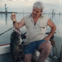 David Jane pictured with a 20 pound Murray Cod caught at Mulwala (NSW), 22 December 1999.