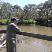 Ron Bain pictured with the Old Goulburn River Bridge to the right, Seymour (VIC), 25 October 2010.